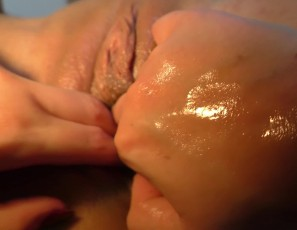 content/060818_girl_girl_brutal_dildo_gape_stomach_moving_strong_orgasm_charlotte_samanta/4.jpg