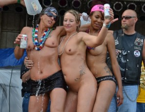 content/071415_abate_of_iowa_2015_freedom_rally_thurday_first_strip_contest_of_the_weekend/1.jpg