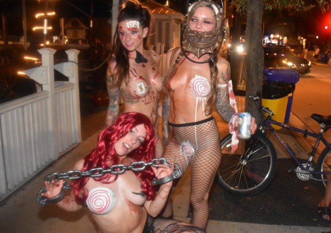content/102818_fantasy_fest_live_2018_week_street_festival_girls_flashing_boobs_pussy_and_body_paint/0.jpg