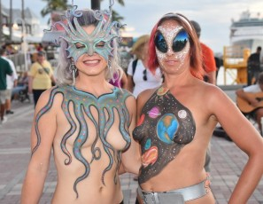 content/110918_beautiful_street_flashers_fantasy_fest_2018_and_wet_t_contest_at_cowboy_bills/2.jpg