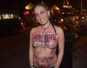 content/110918_beautiful_street_flashers_fantasy_fest_2018_and_wet_t_contest_at_cowboy_bills/4.jpg