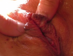content/111017_23yo_santana_masturbating_in_my_window_camera_girl_becky_berry_helps_to_orgasm/2.jpg