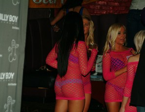 content/121818_secon_from_2012_stripper_convention_in_chicago_including_behind_the_scenes/2.jpg